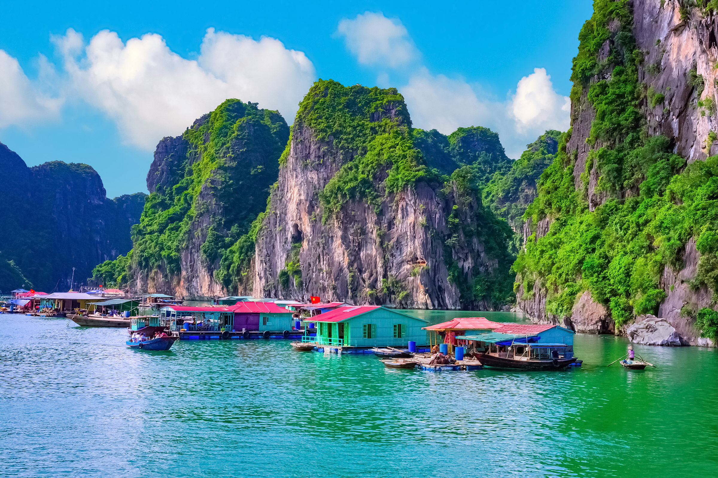 Vietnam Floating Fishing Village in Ha Long Bay