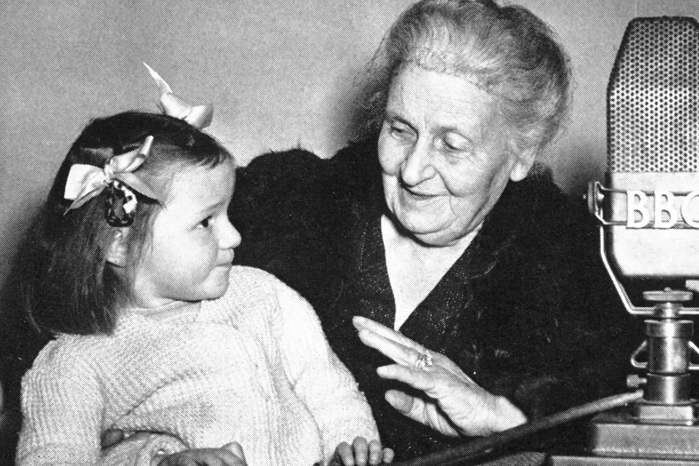 Maria Montessori 1950, Talking with an English girl before her broadcast on the BBC Italian Service