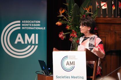 Wendy Tye from the AMI Elementary Alumni Association presents on Building Community